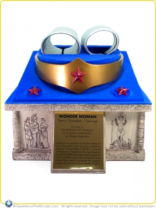 2001-DC-Direct-Prop-Set-Wonder-Woman-Tiara-Bracelets-Earrings-001