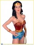 2007-DC-Direct-Lynda-Carter-as-Wonder-Woman-Statue-001