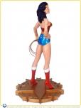2007-DC-Direct-Lynda-Carter-as-Wonder-Woman-Statue-003