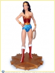 2007-DC-Direct-Lynda-Carter-as-Wonder-Woman-Statue-006
