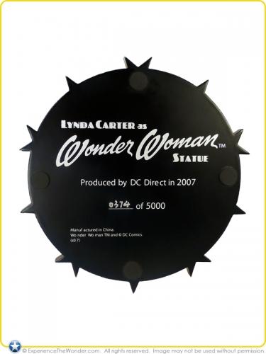 2007-DC-Direct-Lynda-Carter-as-Wonder-Woman-Statue-008