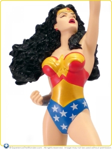 2007-DC-Direct-JLA-Cover-To-Cover-Statue-Wonder-Woman-001