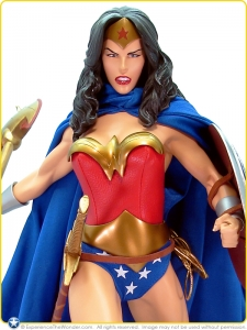 2008-DC-Direct-1-4-Scale-Museum-Quality-Statue-Wonder-Woman-001