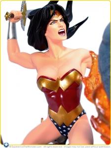 2009-DC-Direct-DC-Comics-Classic-Confrontations-Statue-Wonder-Woman-vs-Ares-001