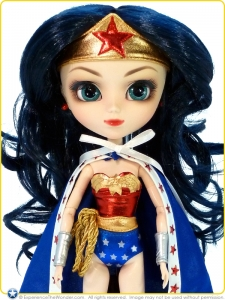 2012-Pullip-DC-Comics-Super-Heroes-Doll-Wonder-Woman-005