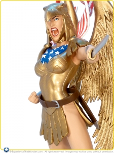 2011-DC-Direct-Cover-Girls-of-the-DC-Universe-Statue-Wonder-Woman-Armored-005
