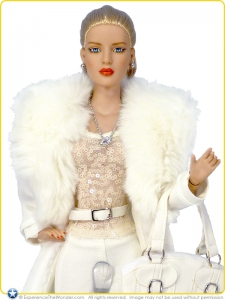 2014-Tonner-Diana-Prince-Collection-Doll-Diana-Prince-Undercover-001