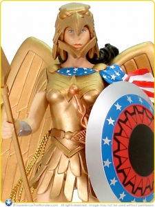 2004-DC-Direct-Kingdom-Come-Series-3-Action-Figure-Armored-Wonder-Woman-001