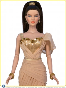 2015-Tonner-Diana-Prince-Collection-Doll-Golden-Princess-001