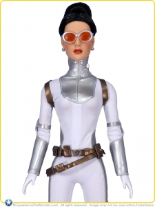 Tonner-Diana-Prince-Collection-Doll-Special-Agent-Diana-Prince-001