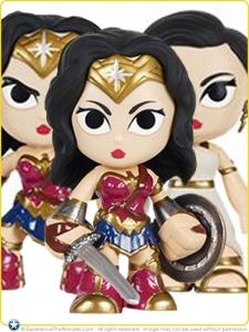 2016-Funko-DC-BvS-Mystery-Minis-Gal-Gadot-Wonder-Woman-Promo-006