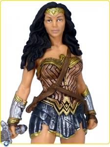 2016-Schleich-DC-Comics-BvS-PVC-Figurine-Gal-Gadot-Wonder-Woman-001
