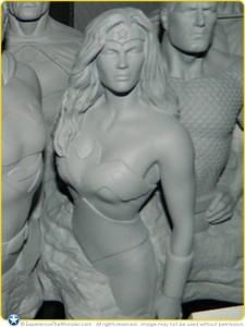 Factory-Ent-DC-Comics-JLA-Monolith-Desktop-Statue-Wonder-Woman-Prototype-001
